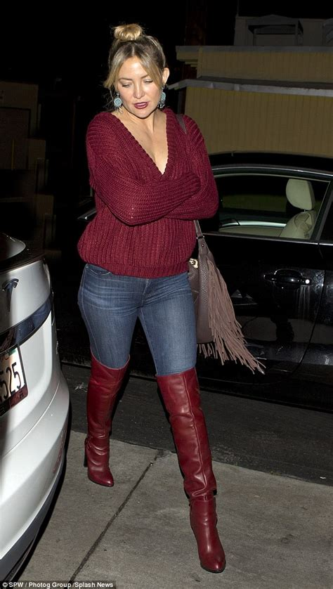 5 Ways To Look Beautiful In Boots by Kate Hudson Looks Downcast As She Dines Out In Plunging