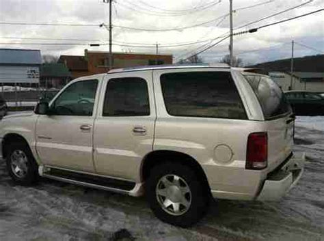 cadillac escalade seats buy used 2002 cadillac escalade pearl white awd 3rd row