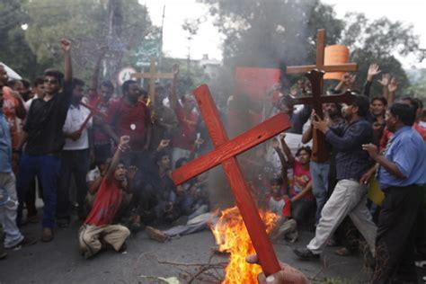 Marvelous Persecuted Churches #1: Pakistani-christians.jpg