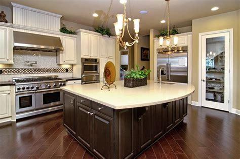 25 Elegant Kitchens with Hardwood Floors   Page 4 of 5