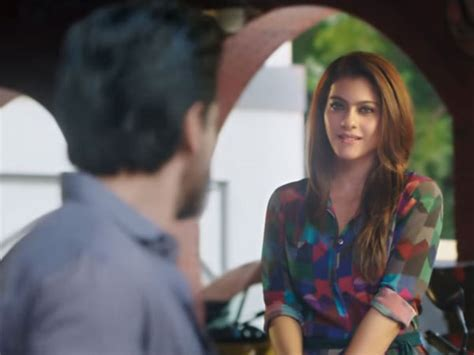 biography of movie dilwale dilwale movie review shahrukh kajol deliver whistle