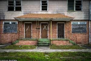 hurricane katrina houses photographer johnny joo shows hurricane katrina s