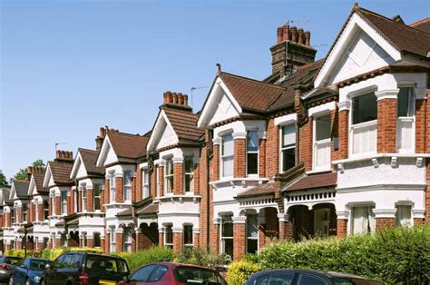 british houses lloyds name most expensive streets to live on in britain