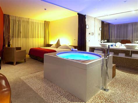 hoteles madrid jacuzzi habitacion jacuzzi suite hotel diagonal zero barcelona