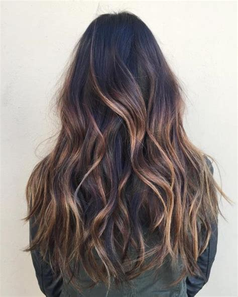 20 Sweet Caramel Balayage Hairstyles for Brunettes and Beyond