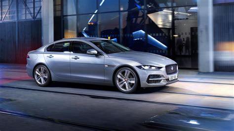 jaguar engines 2020 2020 jaguar xe adds tech drops models and engines autoblog