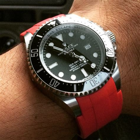 dive band dive watches top 5 features you need to look for