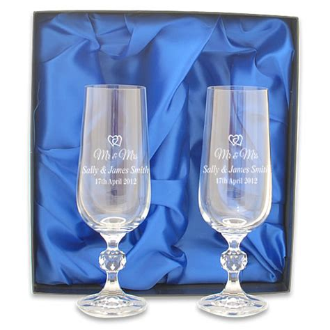 Mr And Mrs Engraved  Ee  Crystal Ee   Champagneutes