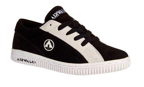 airwalk shoes airwalk brings back legendary throwbacks