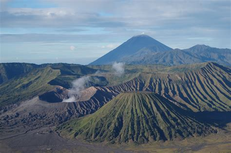 wisata gunung bromo  tempat wisata foto gambar