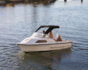 party boat hire queenstown private boat hire full day gold coast adrenaline