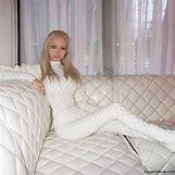 Valeria Lukyanova Smiling | 600 x 600 jpeg 46kB