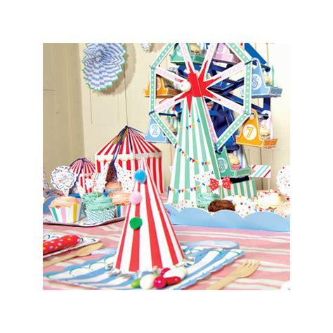 sur la table cake stand decoration g 226 teau centre de table cakestand f 234 te foraine