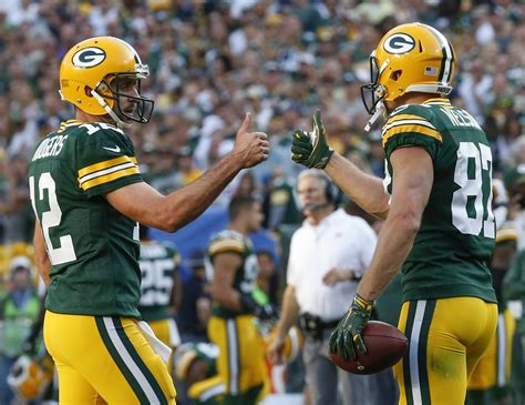 aaron rodgers aaron rodgers can see the future and it includes him