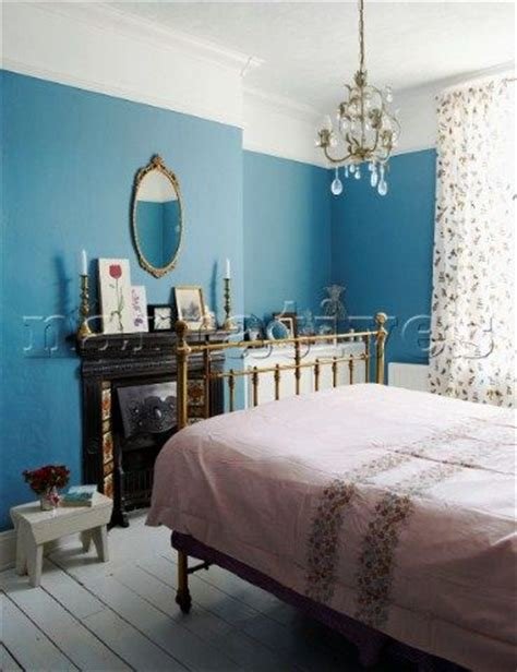 picture rail in bedroom 17 best ideas about picture rail on pinterest diy picture rail picture rail molding