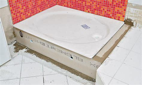 duschtasse einbauen duschwanne abfluss einbauen grafffit