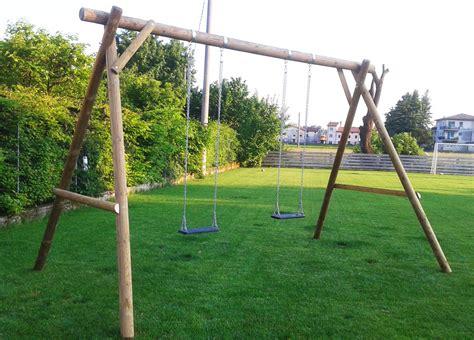altalene da giardino in legno giochi da giardino altalene legno scivoli