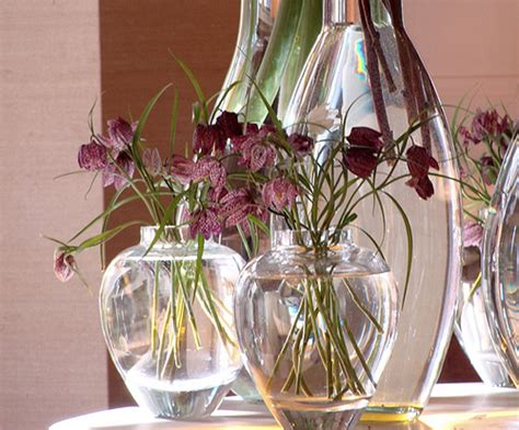 10 decorating ideas for glass vases room decorating