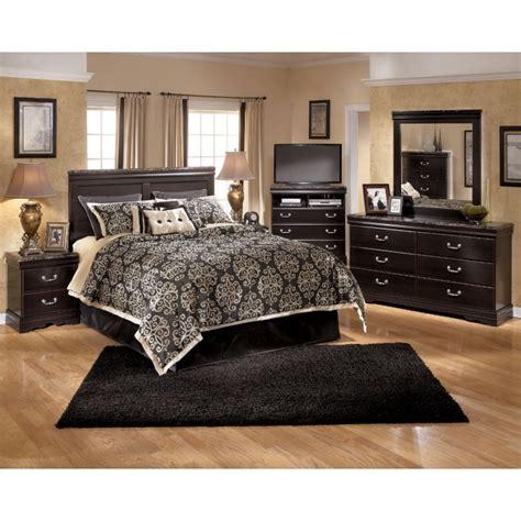 ashley furniture bedroom set with leather headboard home esmarelda 3 pc bedroom dresser mirror queen panel