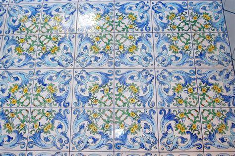 piastrelle siciliane antiche mattonelle antiche siciliane antiche maioliche riggiole