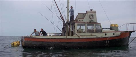 jaws story on boat jaws 1975 movie screencaps jaws orca pinterest