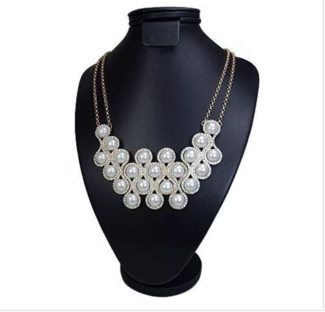 luxury pearl and circles necklace