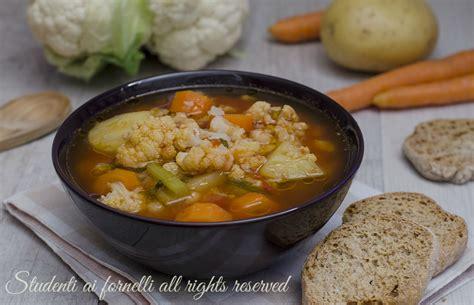 zuppa di sedano e patate zuppa di cavolfiore e patate ricetta zuppa gustosa con