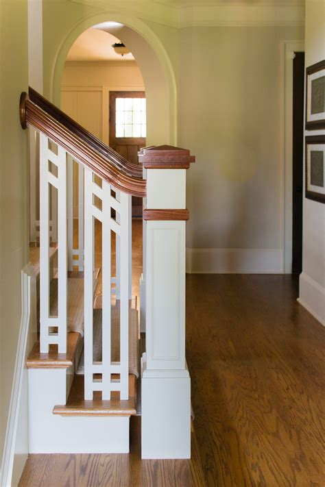 20 Craftsman Style Staircase Wallpaper Designs For Dining