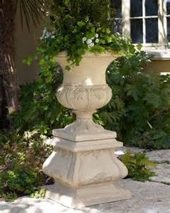 17 best ideas about urn planters on topiary