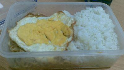 Tupperware Kotak Nasi kenangan tentang bekal makan siang kisah hidup