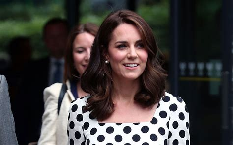 kate middleton looks gorgeous with new hairstyle rides duchess of cambridge rocks a snappy new haircut at wimbledon