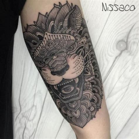dotwork tattoo history 52 best images about tatouage on pinterest dream catcher