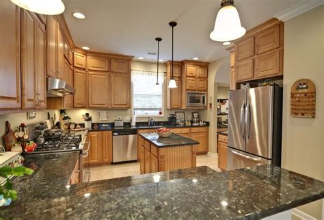 kitchen ideas with maple cabinets kitchen ideas maple cabinets kitchen ideas