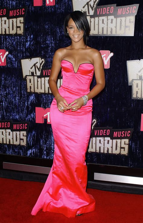 2007 Mtv Awards Performance Pics Celebamour by Rihanna In 2007 Mtv Awards Zimbio