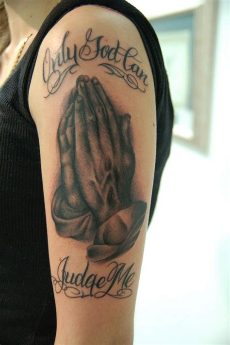 hand tattoo no sleeve 30 awesome hand tattoo designs praying hands tattoo