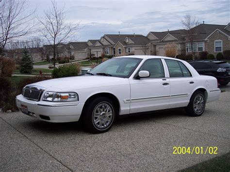 2006 mercury grand marquis overview cars com 2006 mercury grand marquis pictures cargurus