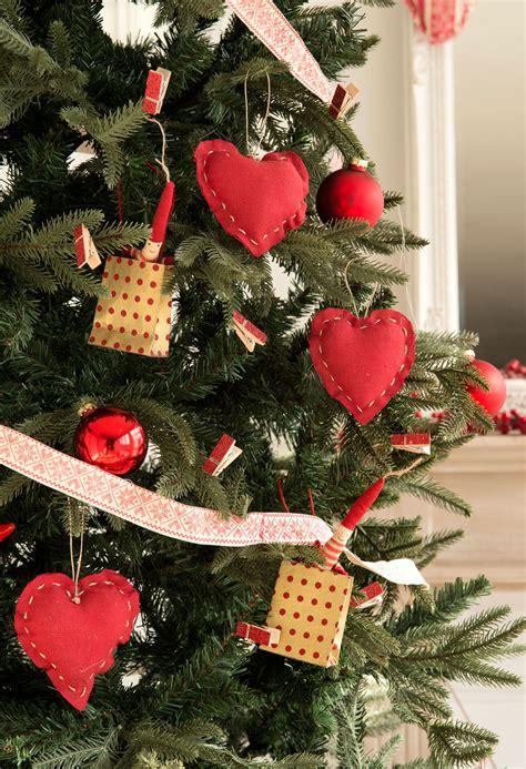 imagenes de adornos de arbol 10 desastres a evitar cuando vistas tu casa de navidad