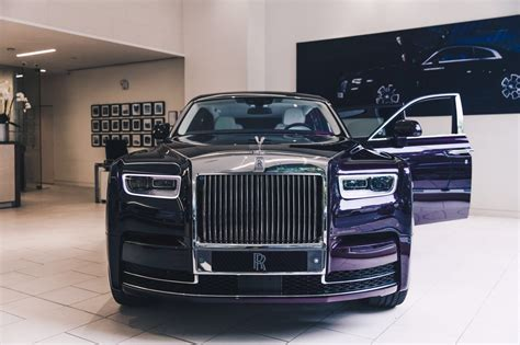 rolls royce dealership new rolls royce phantom makes a stop at a london