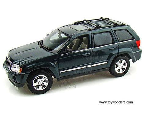 jeep models 2005 2005 jeep grand cherokee suv 31119gn 1 18 scale maisto
