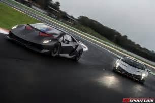 lamborghini veneno and sesto elemento at vallelunga