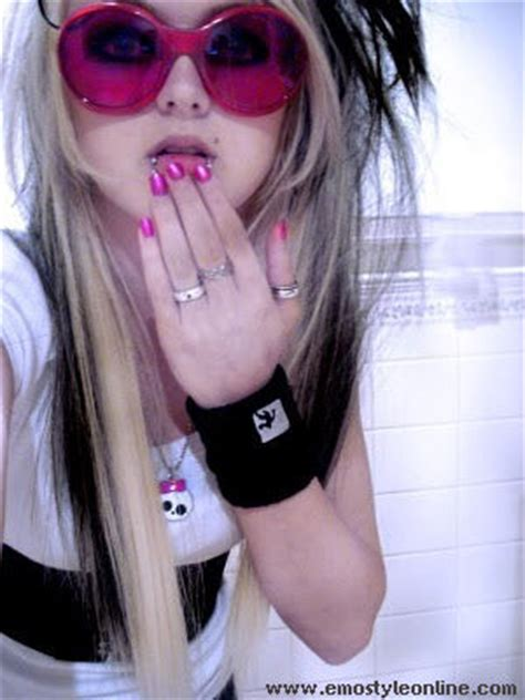 wallpaper emo girl style emo fashion images emo girl wallpaper and background