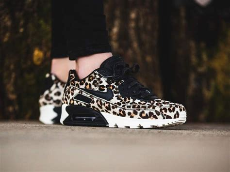 nike wmns air max  lx leo sneakerskyde