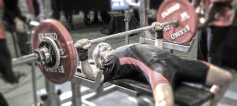 bench press competition rules what the competition lifts look like the bench press