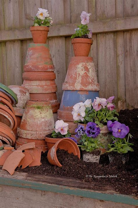 Terracotta Garden Decor Pots And Pansys The Garden In Malevik Garden Decor Pinterest Gardens Terracotta