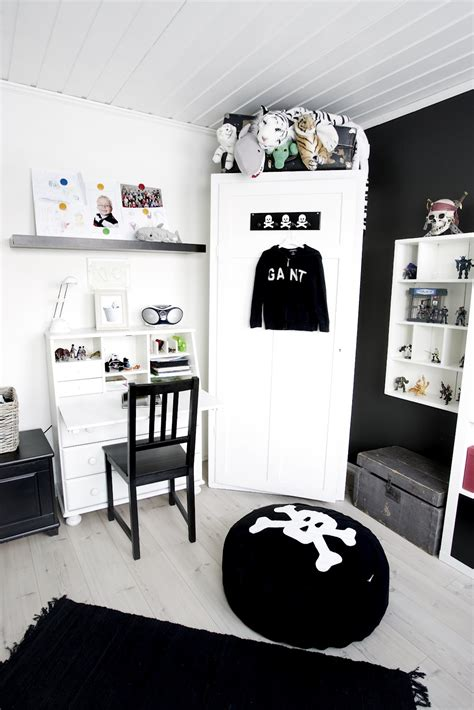 black and white themed bedroom kids rooms black and white accents