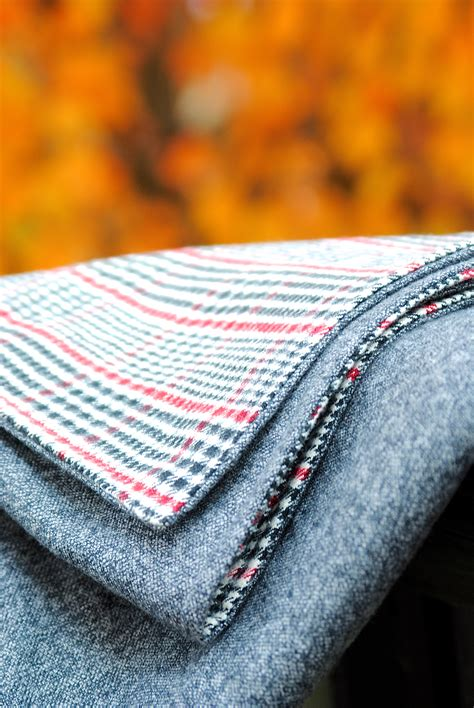 How To Make Handmade Blankets - diy throw blanket tutorial stay warm all season