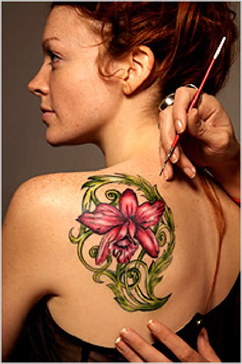 cool flower tattoos henna one of the most favourite temporary design
