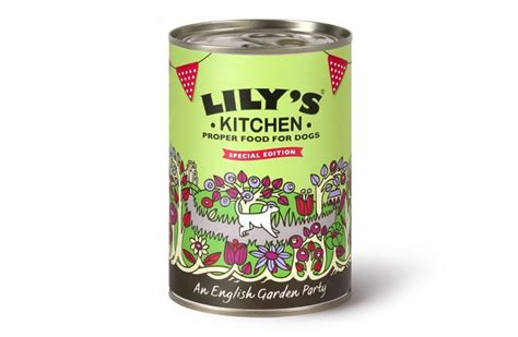 Lillys Kitchen Food by Diet 8 Delicious Organic Free Range Pet Foods Styletails