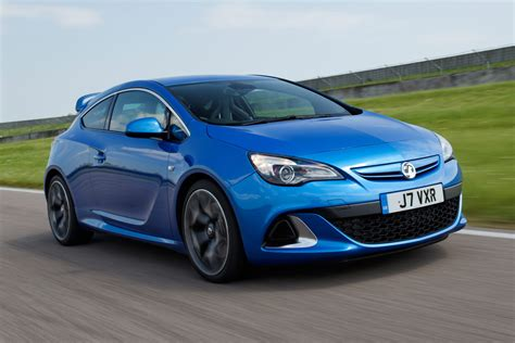 vauxhall astra vxr vauxhall astra vxr review auto express