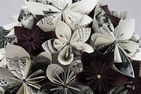 How To Make Recycled Paper Flowers - 17 creative ways to make flowers from newspaper
